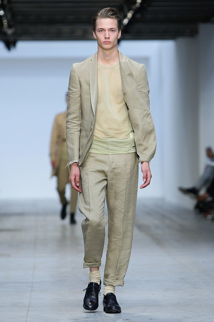 Linus Gustin3095_SS11_Milan_Costume National(Coutorture com)