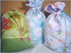 Saquinhos pra tudo (Casa al mare) Tags: patchwork saquinhos