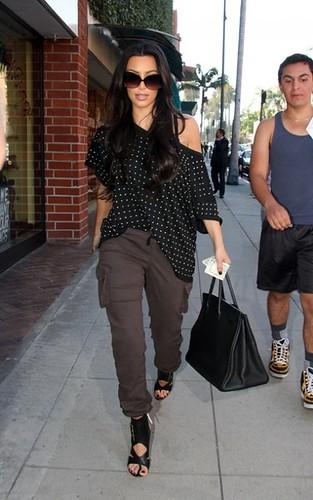 kim-kardashian-062310-4-492x787