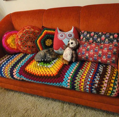 Tomando conta do sofá