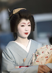 passing summer #21 (Onihide) Tags: summer japan kyoto geiko passing miyagawacho kimika