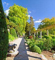 The Peto Garden - Pano (Slybacon) Tags: uk panorama garden wiltshire peto iford vetorama autopanogiga