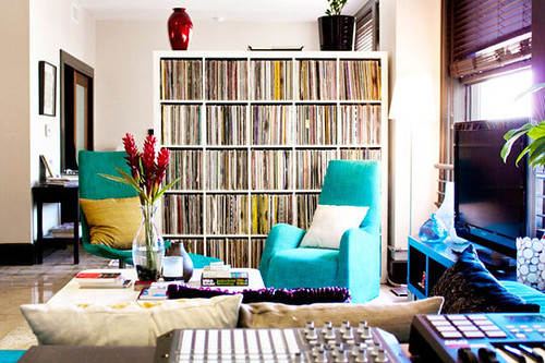 vinyl, cd, music, vintage, records, love, interior design, home ideas, via apartmenttheraphy