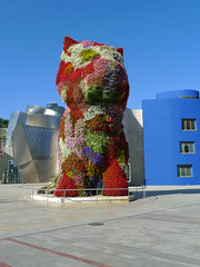 Bilbao - Puppy (Arco Ardon) Tags: espaa puppy spain gehry bilbao frankgehry jeffkoons spanje guggenheimmuseum deconstructivism museoguggenheim deconstructivisme