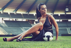 Wanna play? (David Olkarny Photography) Tags: brussels football models makeup bruxelles 50mm14 dailypicture softbox eclairage salom magasine topshots beautydish strobist staderoibaudouin photosandcalendar 5dmarkii panoramafotogrfico prolongations peopleenjoingnature theoriginalgoldseal davidolkarny alienbeeb400b800