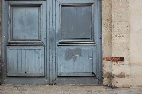 Steel Blue, Paris