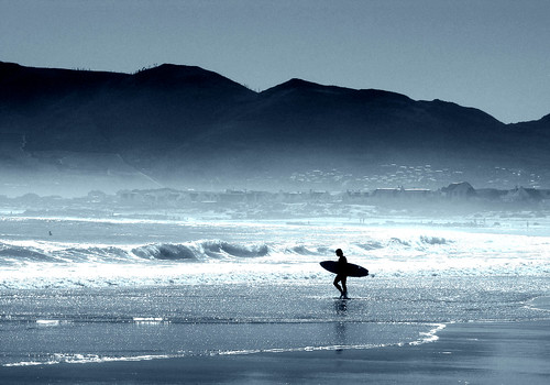 [Free Image] People, People and Scenery, Exercise/Sport, Water Sports, Surfing/Surfer, 201009191300