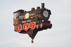 D-OLOK (Balloony Dutchman) Tags: balloons ballon engine steam internationale 2010 warsteiner warstein montgolfiade stoomlocomotief ballonfiesta dolok