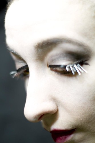Black metal lashes: spikesouttake1