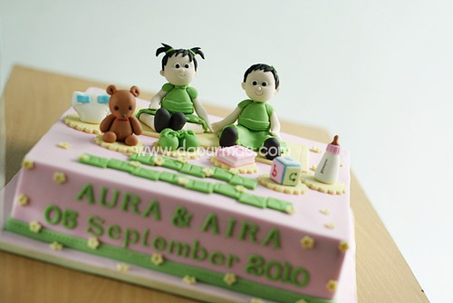 Tia's Twin Cake