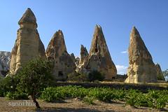 Chimneys in Cappa (smoothna) Tags: nature turkey rocks chimneys cappadocia e510 smoothna