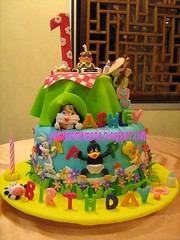 Baby Looney Tunes Theme Birthday Cake (Jcakehomemade) Tags: flowers grass cow fences disney birthdaycake teacups teapot pacifier babybottle babylola babybib charactercake cartooncake babylooneytunes childrencake babytasmaniandevil babydaffyduck jcakehomemade babybugbunny babytweetybird 1stbirthdayashley childrenblocksbutterflies kiddlecake