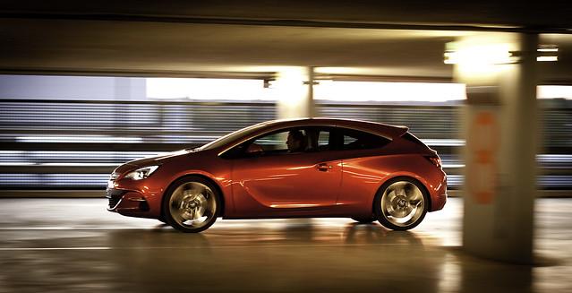 5018172342 dab89d1abf z Opel GTC   Code Red