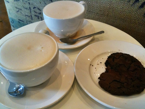 Thatcher's Coffee Chai Latte and chocolate brownie cookie