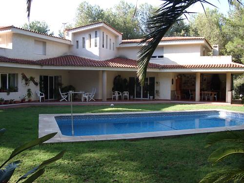 Gran parcela de 5.000 m2. Consulte precio a su inmobiliaria en Benidorm, Asegil www.inmobiliariabenidorm.com