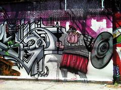 (maxwell colette) Tags: streetart chicago art graffiti tags graff burners throwups throwup fills kwt chicagostreetart 2nr bestalleyinwickerpark