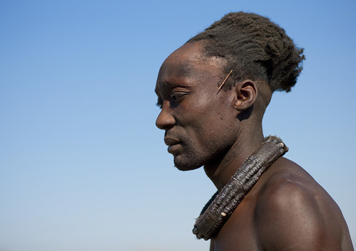 The secret of the Himba men hairstyle - Angola