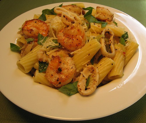 Rigatoni with Shrimp, Calamari, and Basil 002