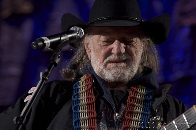 Willie Nelson, performing Gravedigger with Dave Matthews by John McD