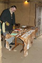 Ken Ravn Hedegaard (Ravn Forhistorisk Støbeteknik) in Haithabu Wikinger Museum WHH - 03-10-2010