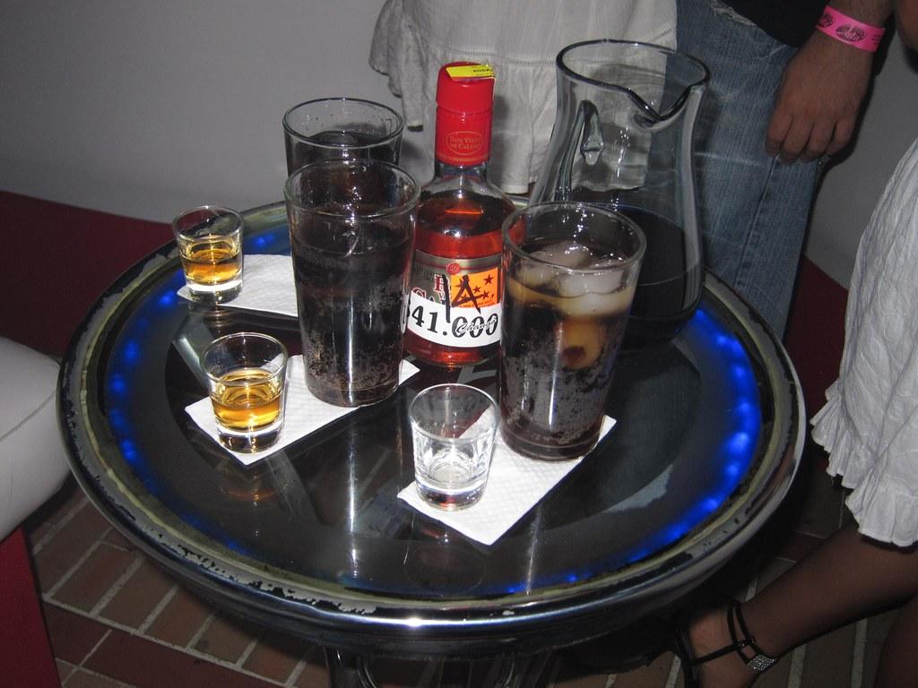 Bottle service in a Menga discoteca