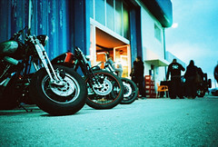 Iron (-joao-) Tags: film analog cross bikes rangefinder harley crossprocessing olympusxa kodake200 jooantnio kodakfilms joaoantonio
