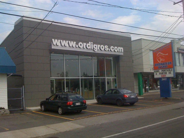 Ordinateur en Gros, facade, magasin extérieur