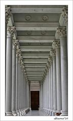 The covered portico (Ubierno) Tags: italy rome roma paul europa europe italia pablo basílica viaostiense sanpaolofuorilemura stpauloutsidethewalls sanpabloextramuros ubierno