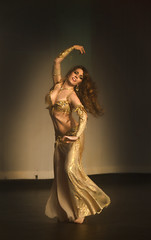 Belly Dancer : Silence Of The Nile