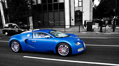 say cheese ! .......              Bugatti Veyron Bleu Centenaire....... (Murphy Photography) Tags: world blue white london sport speed germany high hp fast super ps bleu record 164 nrw 1200 carbon bugatti supercar eb centenaire veyron supersport centinaire