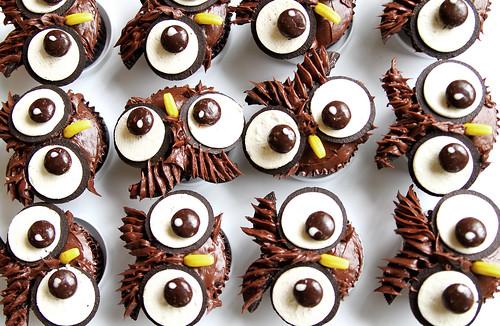 Owl-O-Ween Cupcakes