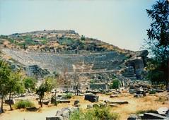Turchia Agosto 1990 Efeso (Paolo Motta) Tags: summer ferry teatro ruins estate theatre 90 ephesus kusadasi smirne romani efeso ismir greci rovien