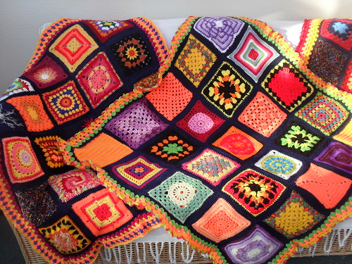 OOh look at all these beautiful, beautiful Squares!!!!.......>