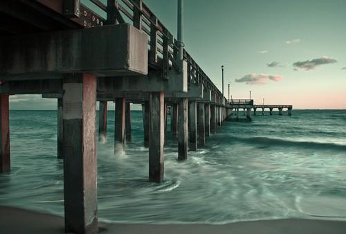 [フリー画像] 建築・建造物, 工作物(その他), 海, ドック・船渠, アメリカ合衆国, 201010211900