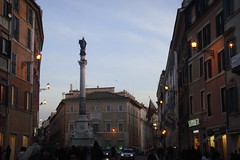 Roma 2010-01-15 060 (Yoshiniski) Tags: rome roma square san piazzadispagna trevi piazza shelley fontana foriimperiali presepe pietro colosseo keats altaredellapatria