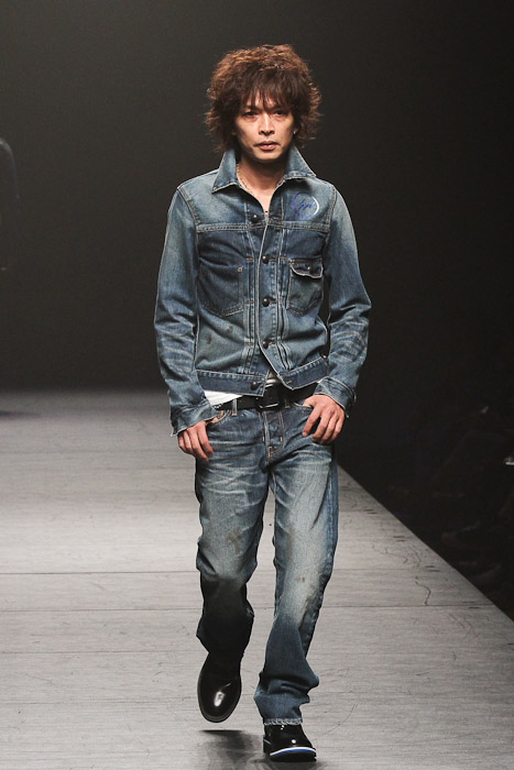SS11_Tokyo_VANQUISH016(Fashionsnap)
