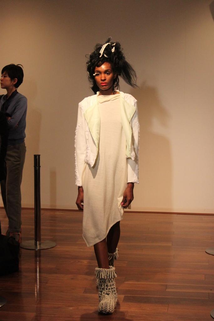 """Naoshi Sawayanagi Collection """"Japan Fashion Week in TOKYO 2010″ (17)"""