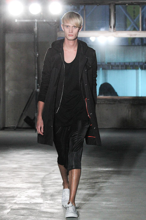 SS11_Tokyo_Sise008_Nicolai Haugaard(Fashionsnap)