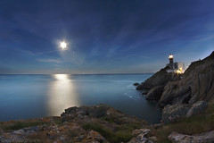 Bailey lighthouse Howth (possessed2fisheye) Tags: longexposure howth dublin seascape water night landscape seaside cliffs fullmoon fisheye moonlight nightsky tps rockyshore thanksman beautifulireland fullframefisheye baileylighthouse thanksangus fisheyelandscape tallaghtphotographicsociety talkaboutsteppingoutofmycomfortzone baileylighthousehowth optika65mmfullframefisheye donotadjustyoursets fisheyesdotakelandscapestoyouknow youcanseetheplanetjupiter lightofthemoonreflectingofthesea icouldgetusetolandscapes