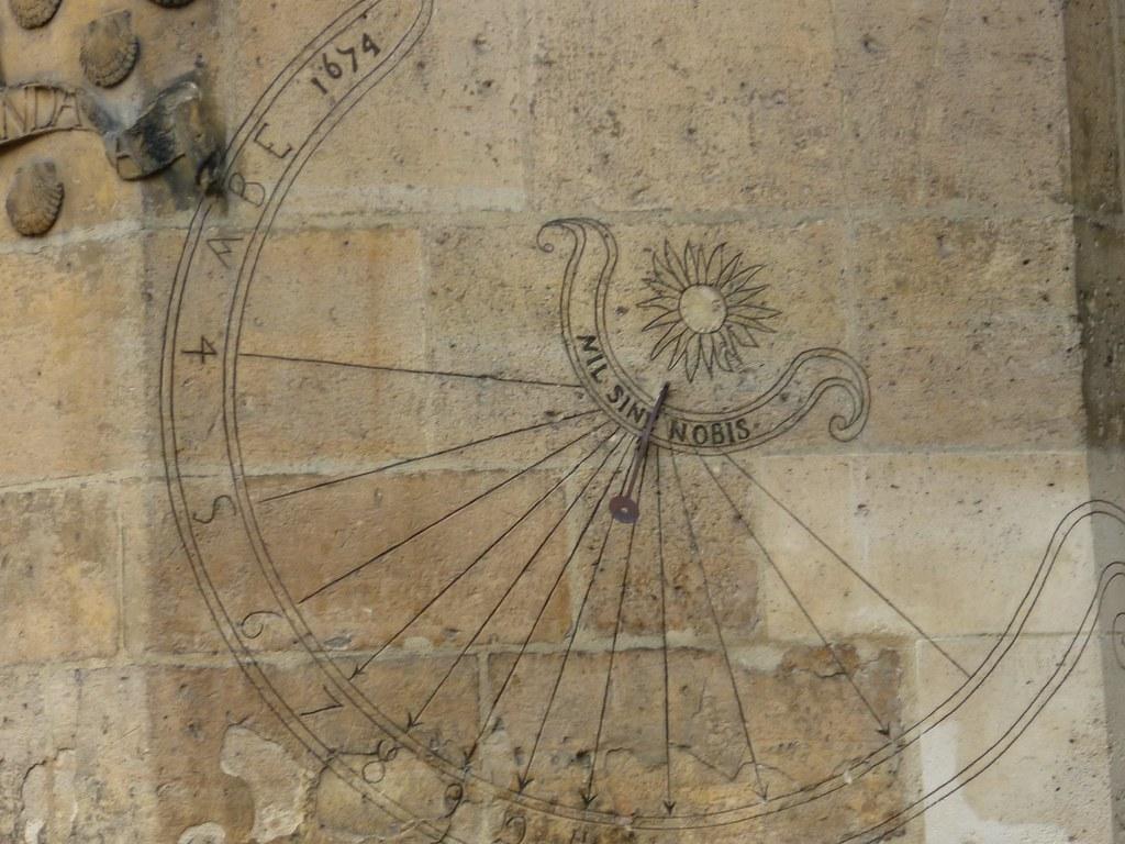 Hôtel de Cluny sundial