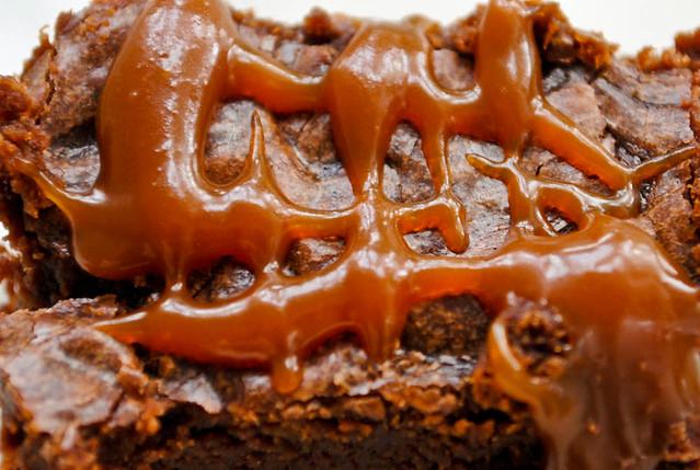 salted caramel brownie3