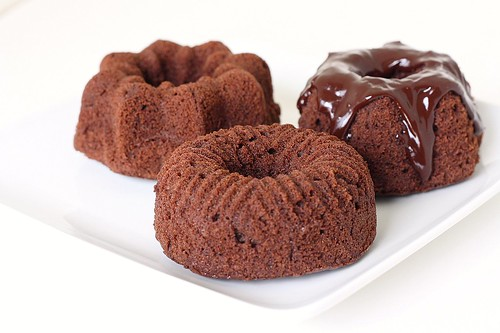 Mini Chocolate Velvet Bundt Cakes