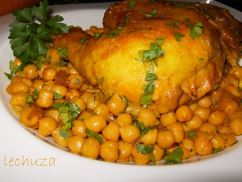 Pollo con garbanzos-cerca