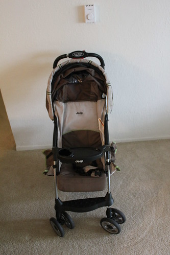 Jeep Cherokee Sport Lightweight Stroller, Tan Impulse by Jonas Homaa