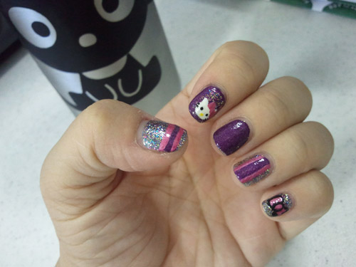 Hello Kitty Nail Art!