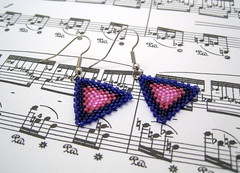 purple striped peyote triangle earrings (randomcreative) Tags: silver purple jewelry earrings etsy dangle beaded striped surgicalsteel beadwoven randomcreative peyotetriangles
