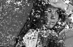 Riflettici (Leonardo Nelva) Tags: africa boy sun money flower art love nature water girl beautiful sex nude photo nice foto god good milano natura american belle bella sole venezia amore barcellona parigi ragazze