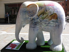 "Elephant #99, ""Buddy"" (raggi di sole) Tags: england elephant colour london art fun buddy harrods bizarre imaginative hanscrescent elephantparade2010 emmaelizabethkemp elephant99"