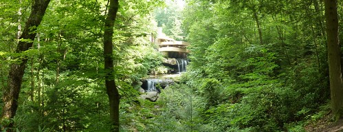 Fallingwater view by Frank Lloyd Wright (pano 10)