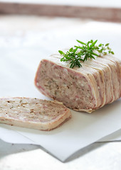 a simple rustic pork pate (mattyinthesun) Tags: pate charcuterie foodphotography